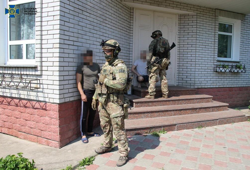 Контррозвідка СБУ попередила нелегальний продаж комплектуючих до бойових вертольотів Збройних Сил України