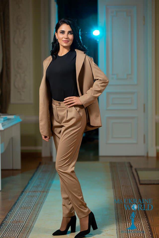 Бродівчанка бере участь у національному відборі Міжнародного конкурсу краси для успішних жінок