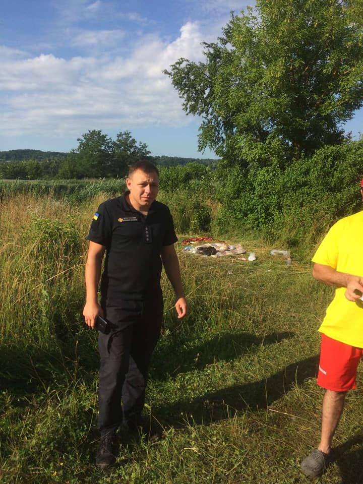 У Золочівському озері втопилася місцева 22-річна жителька: тіло знайшли водолази