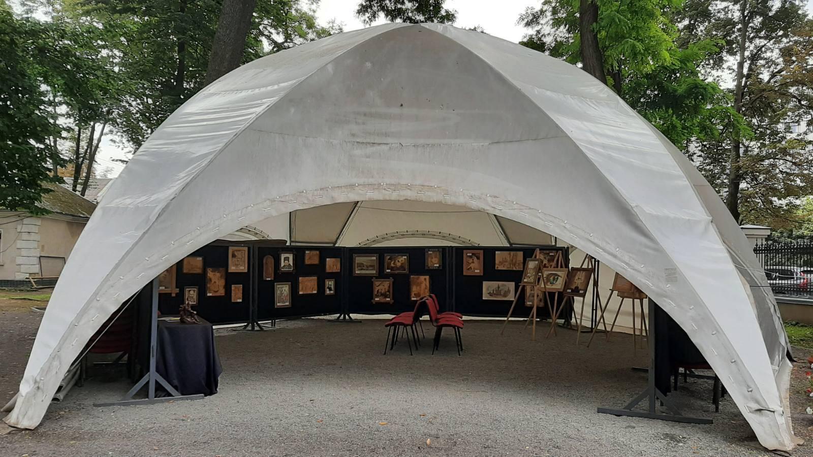 Виставка з Бродів експонується в Івано-Франківську